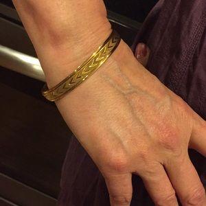 Jewelry - New beautiful yellow gold bracelet.
